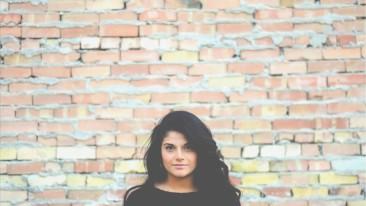 3 Ways Christian Women Exude Beauty // by Christian Thompson