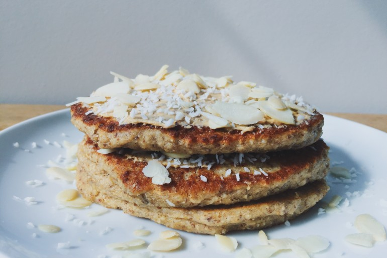 Simple and Healthy Pancakes Recipe // by Paige Spencer